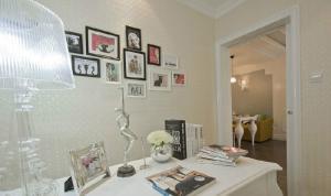 欧式书房装修效果图白色家具
