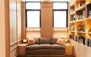 客厅书柜墙搭配榻榻米