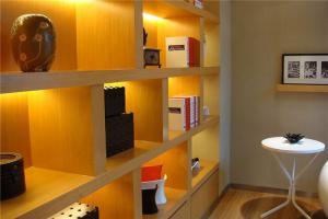现代简约书房装修效果图书柜展示位