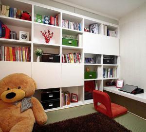 中式风格儿童房书柜书桌装