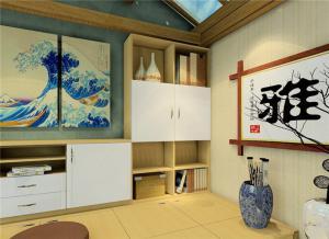 日式书房榻榻米与书柜拼搭