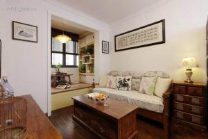 中式小客厅榻榻米实木沙发