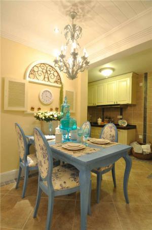 新古典家庭餐桌