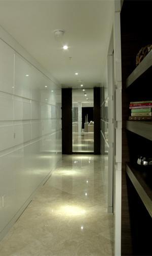 卫生间隐形门装修效果图高