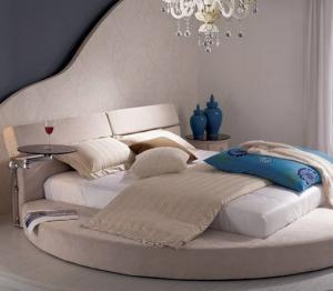 圆形榻榻米卧室地台床装修