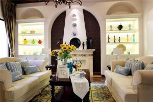 温馨客厅装饰柜