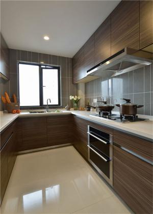 U型家庭厨房橱柜