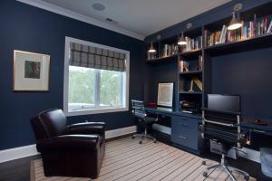 深色系现代简约书房装修效果图