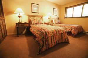 美式风格双人房单人床