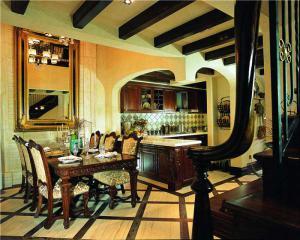 家装小户型客厅餐桌图片