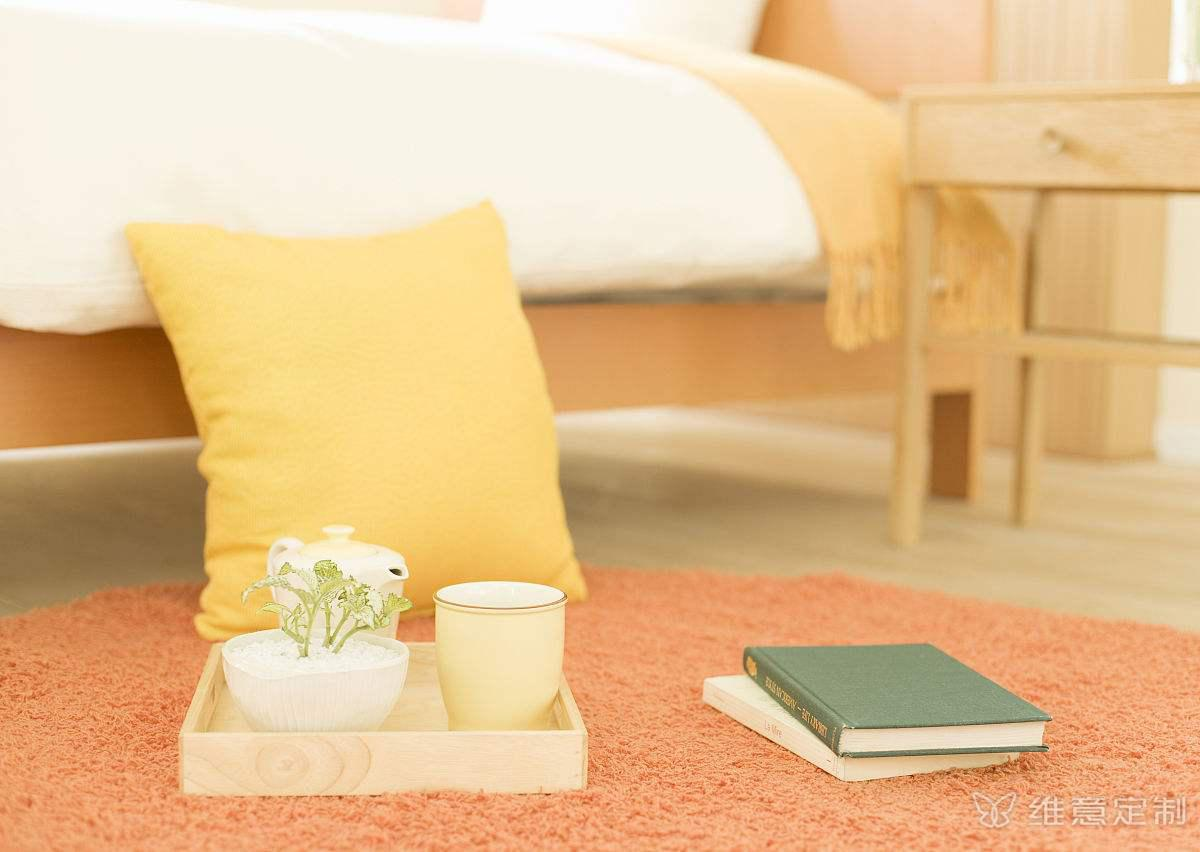 小卧室床休闲装饰