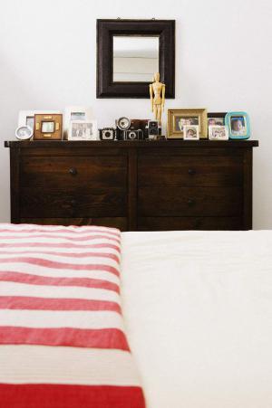 小卧室床装饰柜