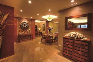 简约实木客厅家具图片