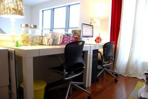 80平米家庭书房装修效果