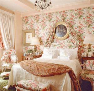 碎花背景墙卧室二层床