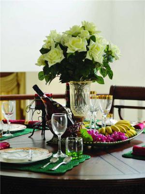 家装餐桌效果图