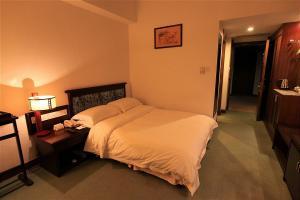 豪华酒店卧室床
