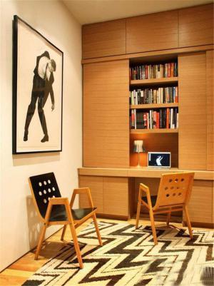 温馨书桌书柜组合效果图