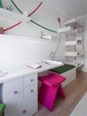 甜雅书桌书柜组合效果图