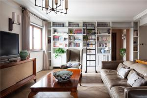 美式简约客厅书柜墙