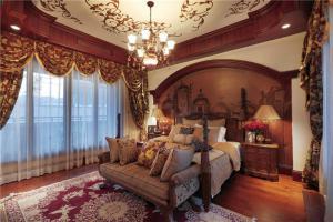 欧式奢华别墅卧室装修图片