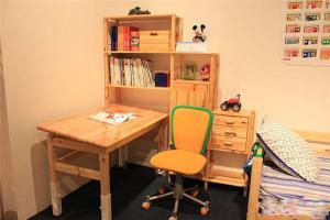 实木儿童简易书柜