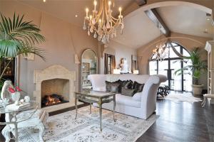 简易新中式客厅家具图片