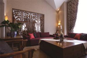 小户型中式客厅家具图片