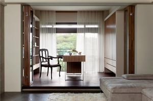 古朴风阳台书桌