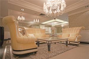 现代简欧客厅家具图片