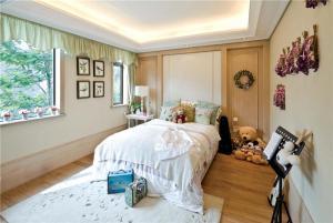 温馨十平米小卧室装修图欣
