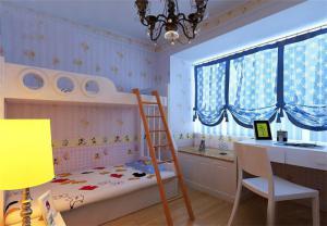 温馨儿童床书桌