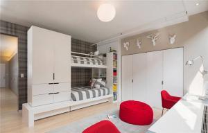 现代风格两个孩子儿童房设计
