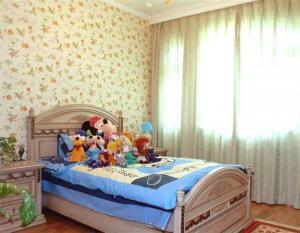 小碎花儿童房背景墙