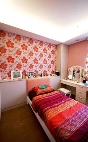 花朵壁纸儿童房背景墙