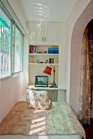 小户型阳台改书房效果图