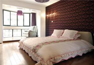 欧式奢华主卧室装修设计图