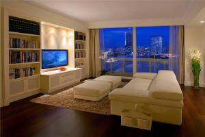 家装白色电视柜