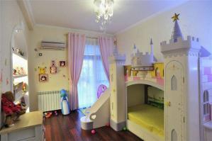 公主床小空间儿童房设计