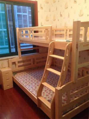 上下床儿童房布置