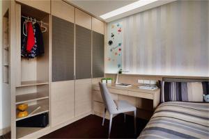 卧室转角书桌加衣柜设计