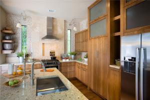 实木家庭厨房橱柜