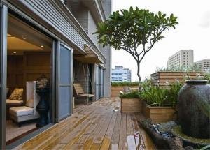 户外阳台防腐木效果图