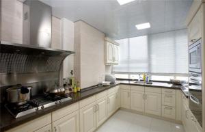 家庭厨房橱柜组合