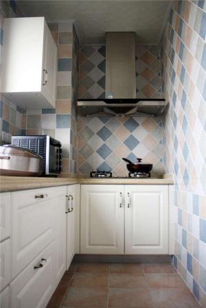 小厨房橱柜实拍图