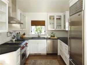 简易家庭厨房橱柜
