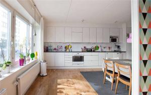 一字型开放式厨房橱柜