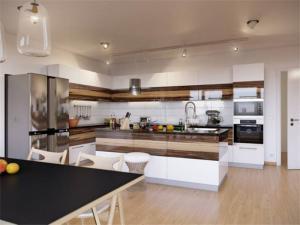 大户型开放式厨房橱柜