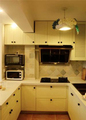 U型厨房小橱柜
