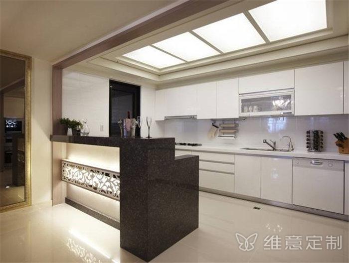 现代开放式厨房橱柜